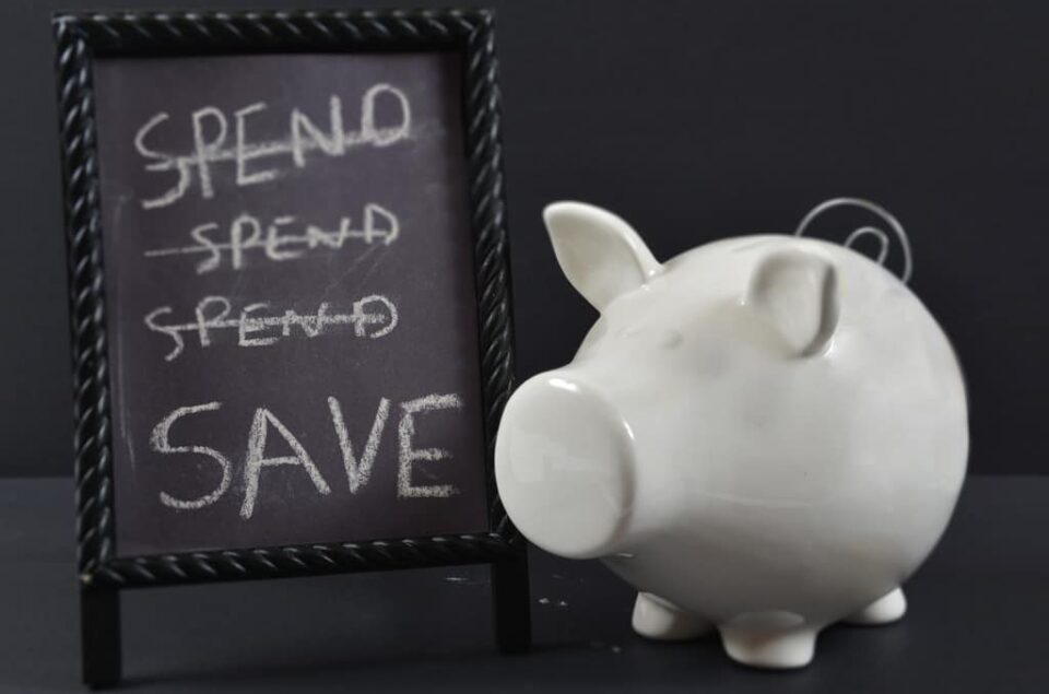 Piggy-bank-save-vs-spend-RK-2019
